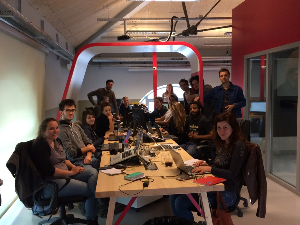 Une partie de l'équipe d'1DLab, dans leurs bureaux à St-Etienne